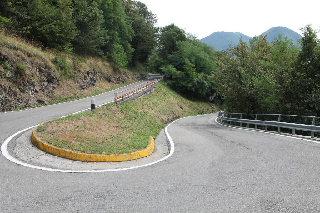 La descente du Muro di Sormano en direction de Nesso.