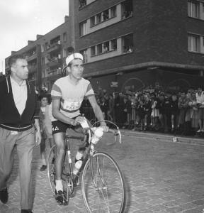 Bahamontes jouait sur deux fronts : le classement général et le meilleur grimpeur. Il ne remportera qu'un Tour, mais gagnera à 6 reprises le classement de la montagne.