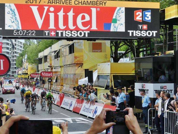Arrivée de l'étape de Chambéry sur le Tour de France 2017, remportée par Rigoberto Uran