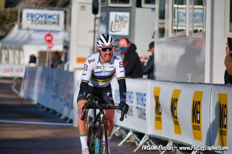 Julian Alaphilippe à l'arrivée de l'étape du Chalet Reynard sur le Tour de la Provence